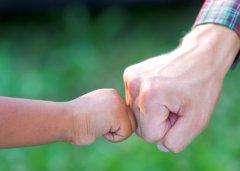 激励孩子努力上进的名言警句 鞭策孩子努力上进的座