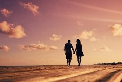 QQ空间爱情说说:我知道,你是我用生命等来的守候