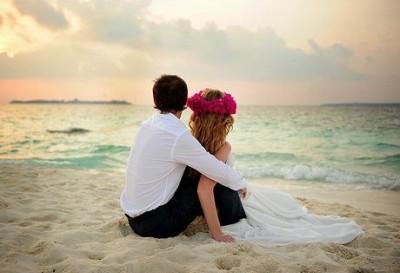 爱情说说短语:能不能别伤我的心,那里面住的是你
